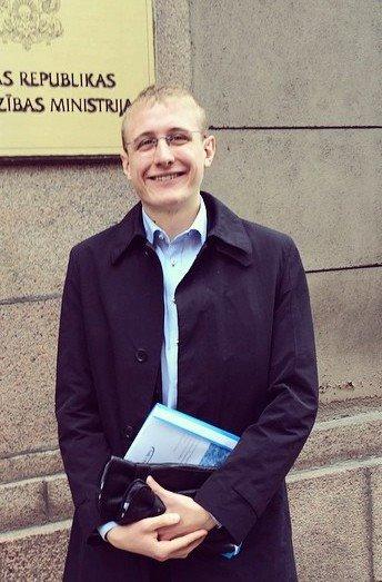 Ny försvars- och säkerhetspolitisk sekreterare: Zebulon Carlander